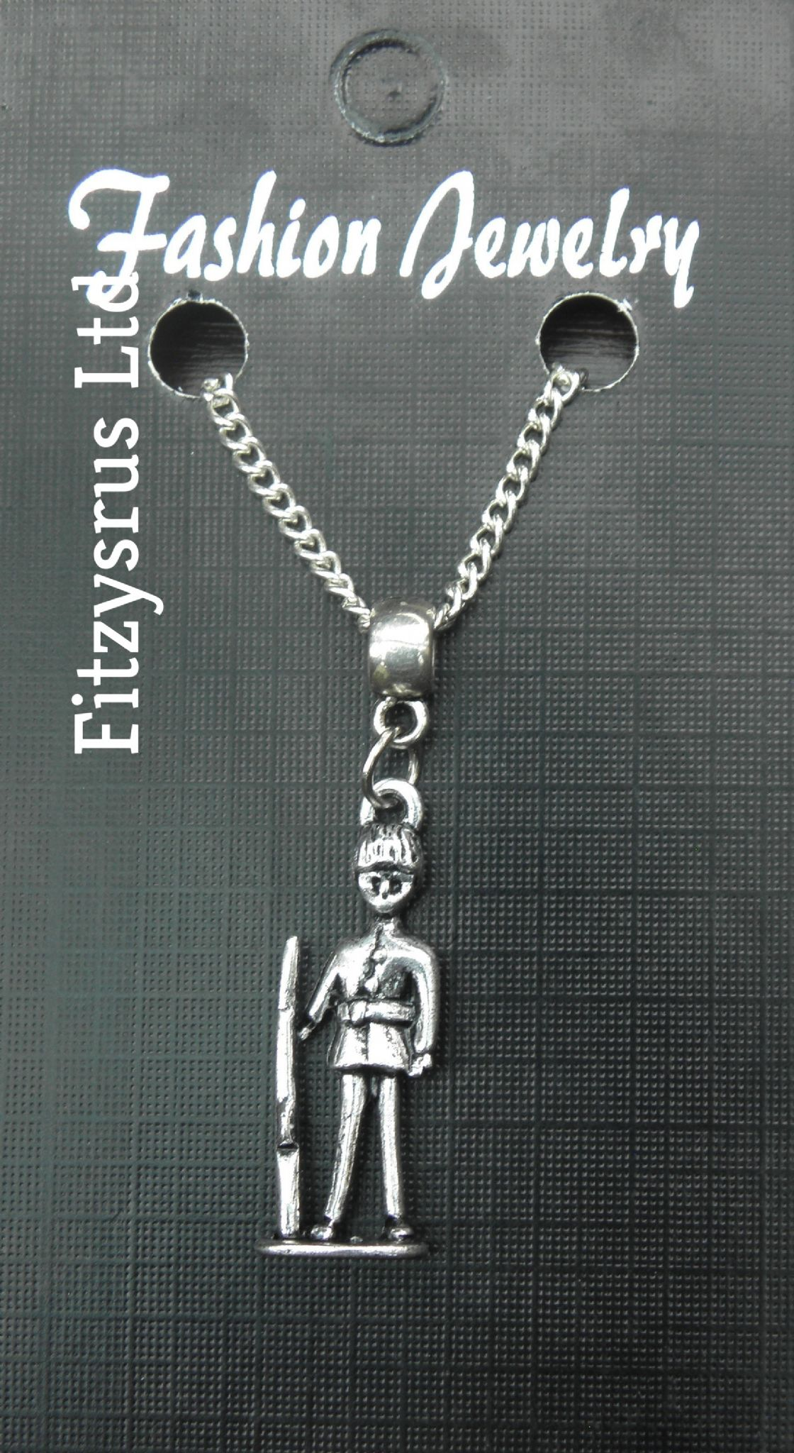 "18"" 24"" Inch Necklace & Queens Guard Soldier Charm London GB UK Cavalry Souvenir"