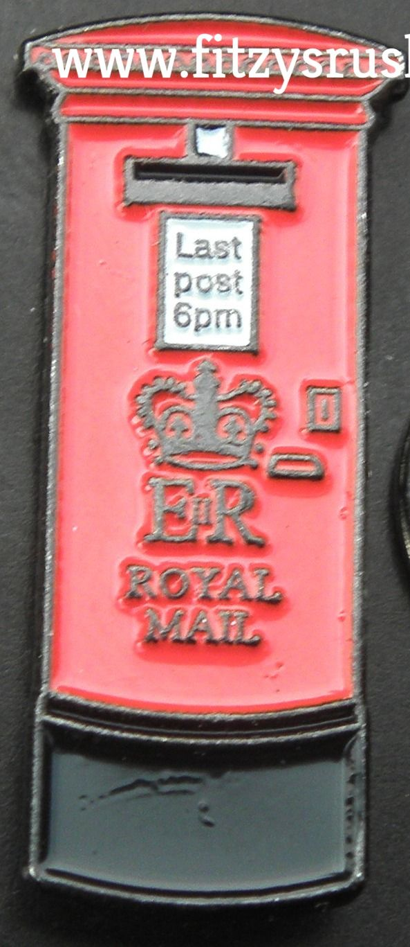 RED LETTER POST BOX LAPEL TIE PIN BADGE GPO LONDON UK SOUVENIR BROOCH ROYAL MAIL